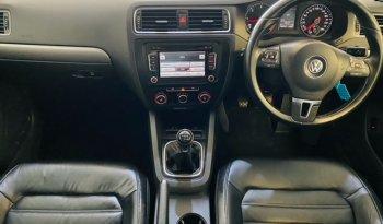 VW JETTA VI 2.0 TDi HIGHLINE 2013 full